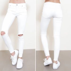 Free People Destroyed Skinny Jean in white